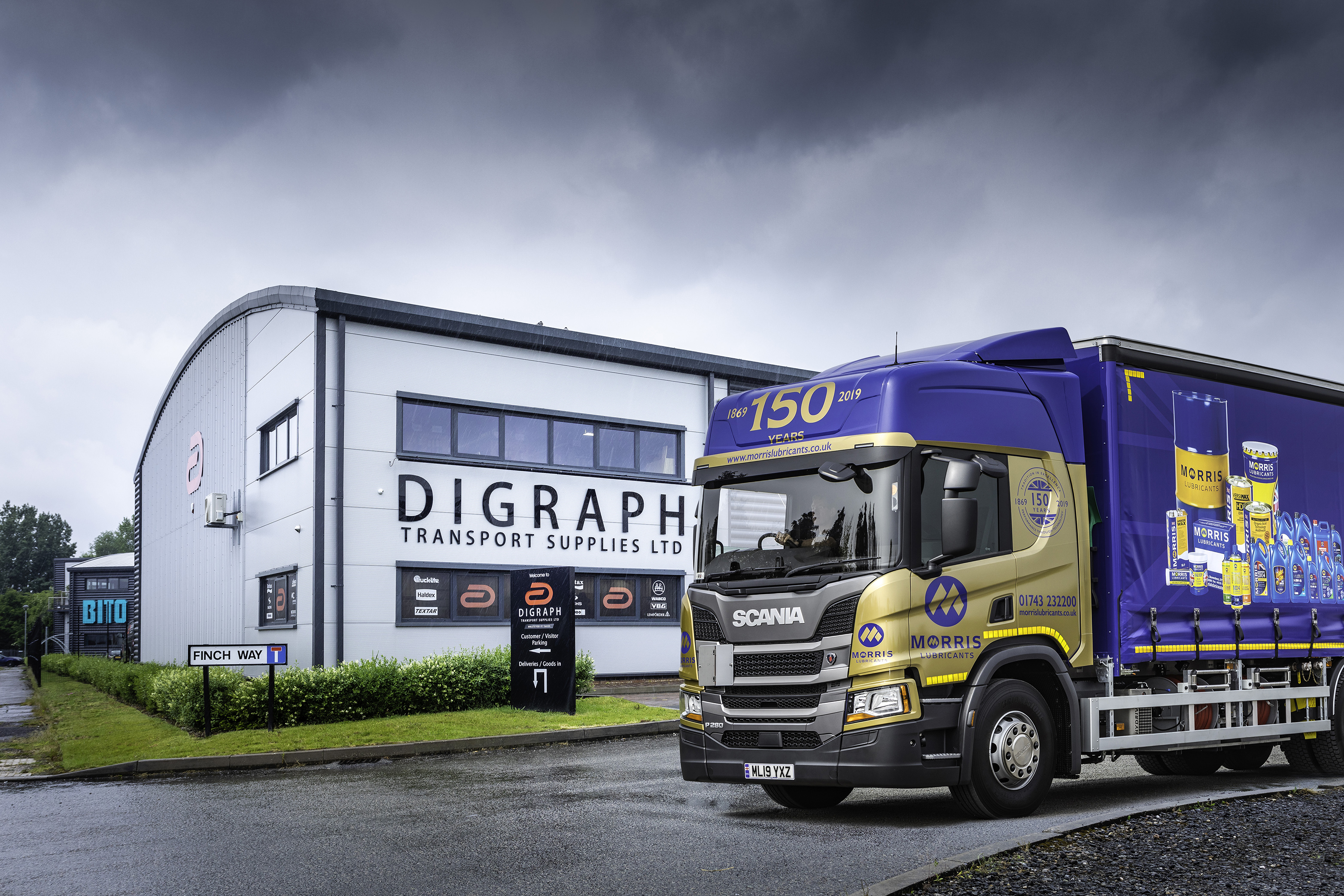Digraph HQ with Morris 150 truck [50%].jpg